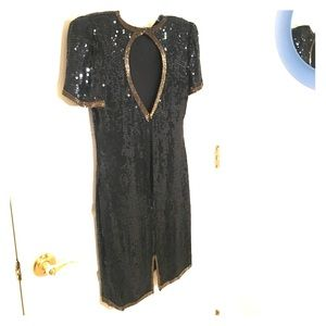 Dresses & Skirts - Black sequin vintage dress w back detail